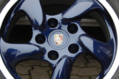 "17"" Lapis Blue & Polished Outer Rim alloy wheel"